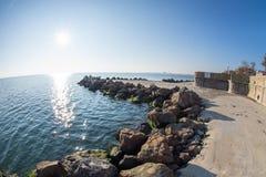 Sun sopra il porto di Burgas in Bulgaria Fotografia Stock