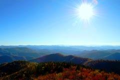 Sun sopra le montagne di Smokey Fotografie Stock Libere da Diritti