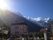 The Sun sopra Montain Immagini Stock