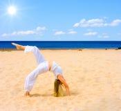 Sun, spiaggia, esercitazione fotografia stock libera da diritti