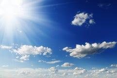 Sun su cielo blu Immagini Stock Libere da Diritti