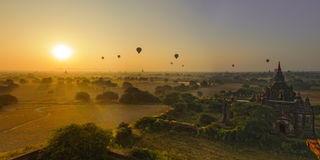Sun sube en Bagan, Myanmar Fotografía de archivo