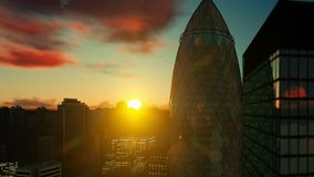 Sun sube sobre la ciudad de Londres, visi?n superior almacen de metraje de vídeo