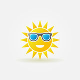 Sun with sunglasses bright icon Stock Photography