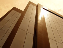 Sun teñió el edificio Foto de archivo