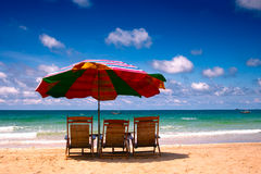 Sun umbrella and sea Royalty Free Stock Images