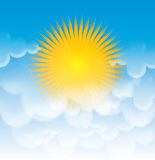 Sun und die Wolken im Himmel Stockbild