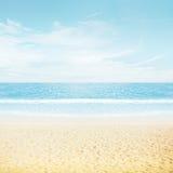 Sun und Inselstrand lizenzfreies stockbild