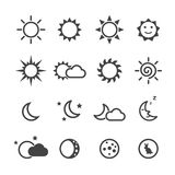 Sun-und Mondikonen Lizenzfreies Stockbild