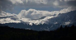 Sun und Schnee lizenzfreies stockbild