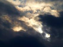 Sun und Wolken Lizenzfreie Stockfotografie
