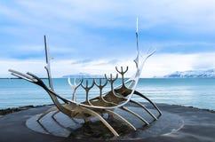 The Sun Voyager dreamboat rzeźba w Reykjavik, Iceland Zdjęcie Stock