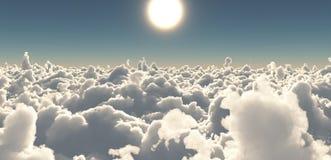 Sun y cielo sobre las nubes Imagen de archivo
