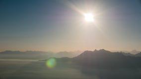 Sun y montañas Imágenes de archivo libres de regalías