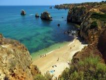 Sunbath在葡萄牙 免版税库存图片