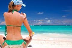 sunbath παίρνοντας Στοκ φωτογραφία με δικαίωμα ελεύθερης χρήσης