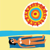Sunbath kvinna Royaltyfri Fotografi