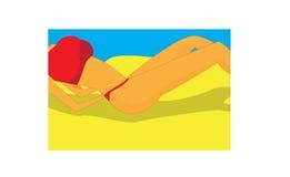 Sunbather op strand Stock Afbeeldingen