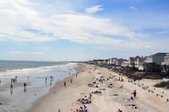Sunbathers пляжа города сада стоковая фотография