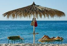 sunbathing женщина Стоковое Изображение RF