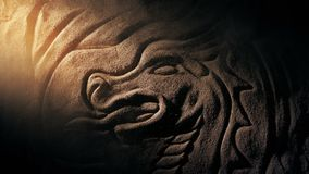 Sunbeam accende il drago che scolpisce con la polvere di turbine archivi video
