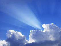 Sunbeam through the clouds Royalty Free Stock Photos