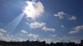 Sunbeam nel cielo fotografia stock
