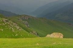 Sunbeam w górach obrazy stock