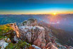 Sunbeams while sunset in rocky tyrol mountains Royalty Free Stock Images