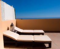 Sunbed可躺式椅天堂 免版税库存图片