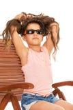 sunbed的小女孩 免版税图库摄影