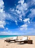 Sunbed на пляже Стоковое Изображение RF