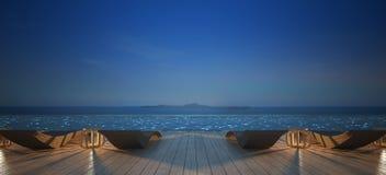 Sunbed na plataforma da associação no céu noturno Imagens de Stock