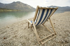 Sunbed sulla spiaggia Fotografia Stock Libera da Diritti