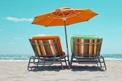 sunbeds пляжа Стоковая Фотография