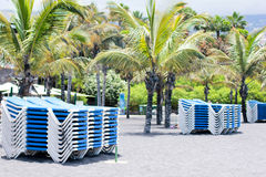Sunbeds on the beach Royalty Free Stock Photos