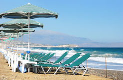 Sunbeds and umbrellas Royalty Free Stock Photography