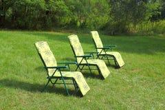 Sunbeds vazios Imagens de Stock Royalty Free
