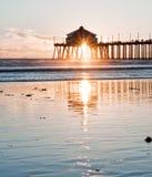 sunburst för strandhuntington pir Royaltyfri Foto