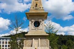 sunclock på en historisk rokoko parkerar Royaltyfria Bilder