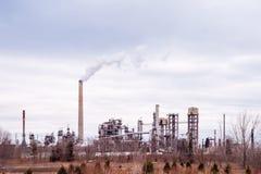 Suncor能量润滑剂精炼厂在密西沙加,安大略, Canad 免版税库存照片