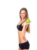 Sund äta kvinna som försöker att förlora vikt royaltyfri bild