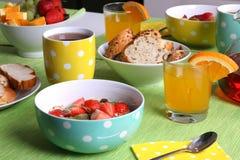 Sund färgrik frukost royaltyfria bilder