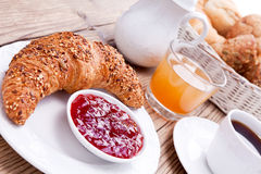 Sund fransk frukostkaffegiffel royaltyfria bilder