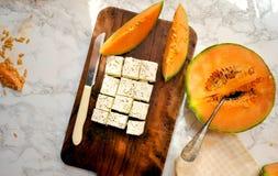 Sund frukost med cantaloupmelon- och fetaost Fotografering för Bildbyråer