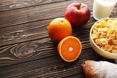 Sund frukost med vitaminer arkivfoto