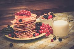 Sund frukoststilleben Arkivfoto