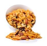 Sund frukostuppsättning med sädes- mandelrussinvalnötter Arkivbilder