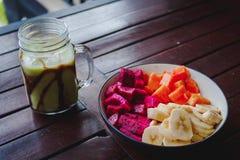 Sund fruktfrukost royaltyfri foto