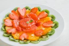Sund fruktplatta Arkivfoto